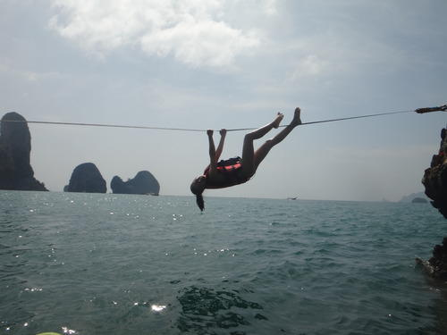Slacklining in Thailand | Best pastime between breaks of climbing