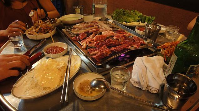 5 Destinations in Asia worth revisiting - Our sumptuous barbeque dinner near Hongik University train station