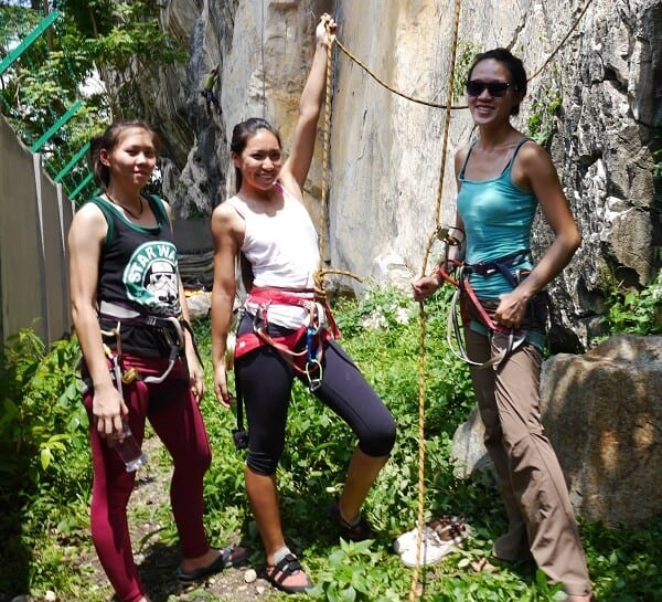 Singapore women in travel - Batu Caves Kuala Lumpur |  Rock Climbing Shoes for outdoor climbing