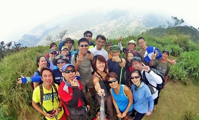 Team spirit at the top of Mount Ugo | Mountain Climbers in the Philippines