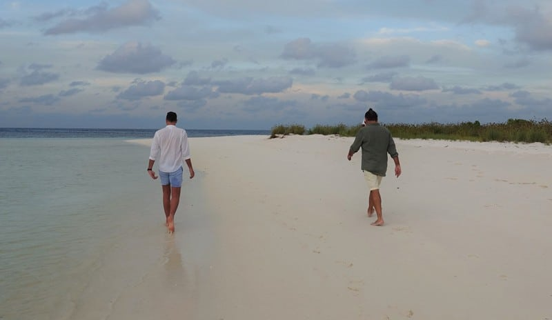 Travel destinations with the freshest air - Walking on those sandy white beaches of Maldives private island