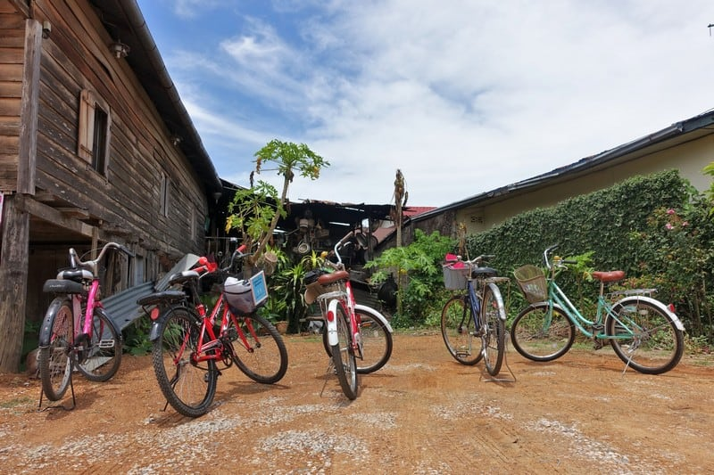 Cycling around Chiang Khan to visit the culutral checkpoints