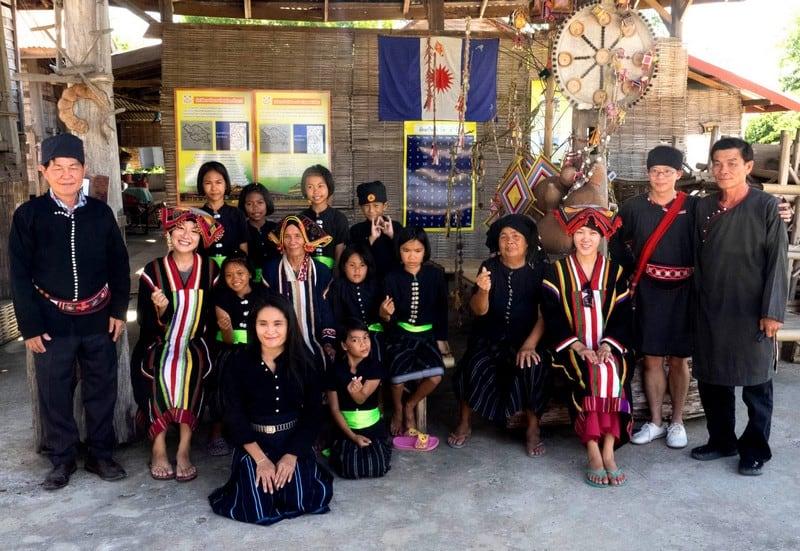 Visiting the Black Thai Tribe Tai Dam in Chiang Khan