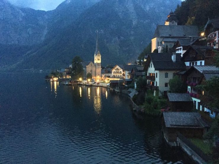 Happily ever after anyone? Situated within the UNESCO World Heritage region of Hallstatt-Dachstein-Salzkammergut, find out whats the secret of Hallstatt.