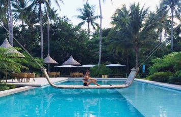 Chilling out on the swing in the Siama Hotel