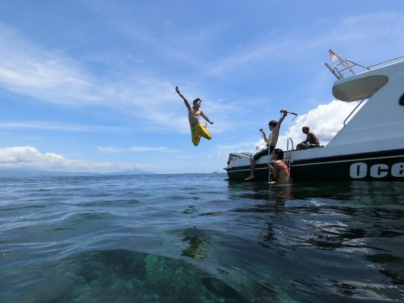 posing for amazing air shots in Bali