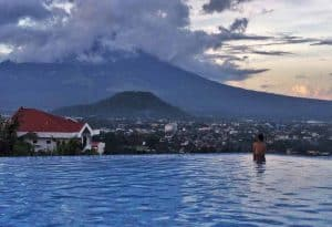 Stunning infinity pool at The Oriental Legazpi