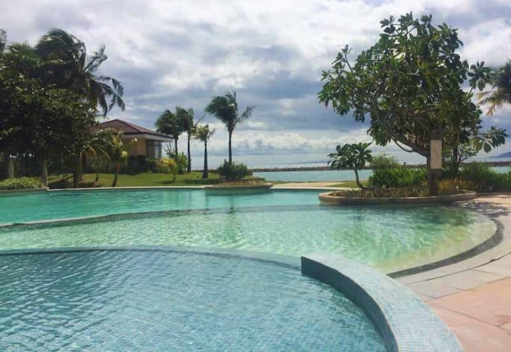 Misibis Bay Resort Pool with the view of the sea