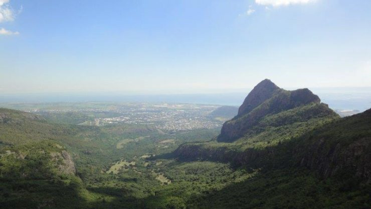 Mauritius -  Mountains, Waves and Sugarcane