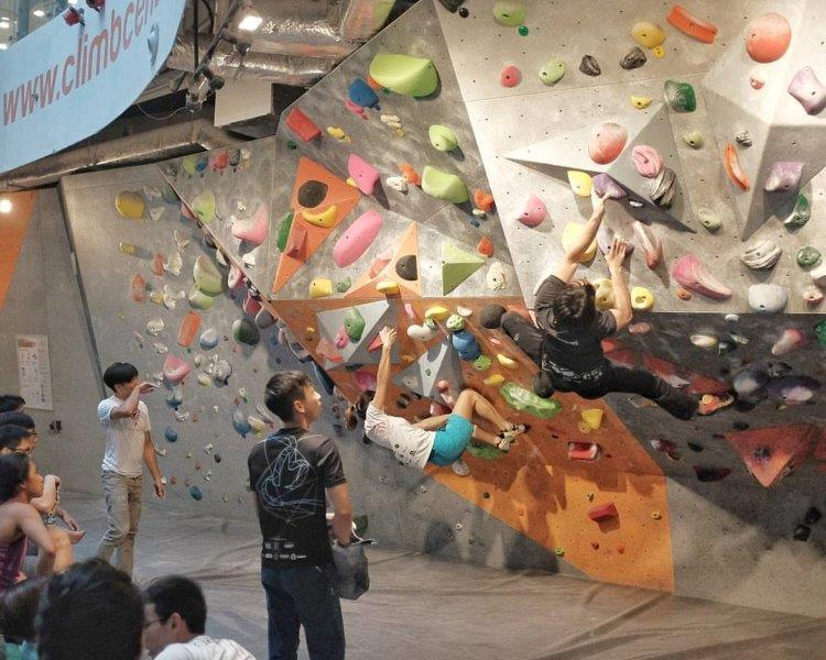 The Climbers of Kallang Wave Mall. Climb to your hearts content..in the middle of the arena. Only in Climb Central