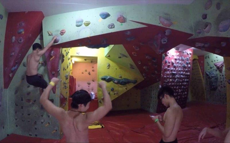 Play at Yishun Safra Bouldering Gym - Photo credited to @OnlyDanish