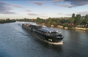 Time to Set Sail - Dive into the Cruises and Luxury Boats Travel Experiences