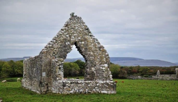 Ireland coach tours of Cliffs of Moher and Kilmacduagh Monastery