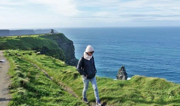 Cliffs of Moher Bus Tours - Walking along the edges