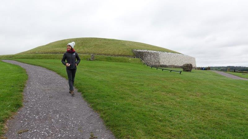 exploring the Neolithic passage tomb at Brú na Boinne and Knowth - ancient celtic sites in ireland | ancient burial sites in ireland