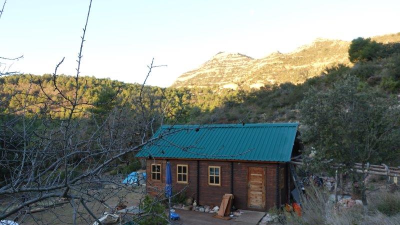 Cosy Wooden Cabin in the heart of Siurana with the mountains behind