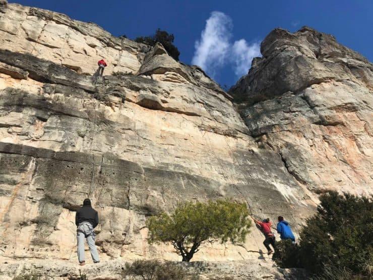 Lead climbing - Siurana outdoor rock climbing courses | Cornudella de Montsant | siurana spain