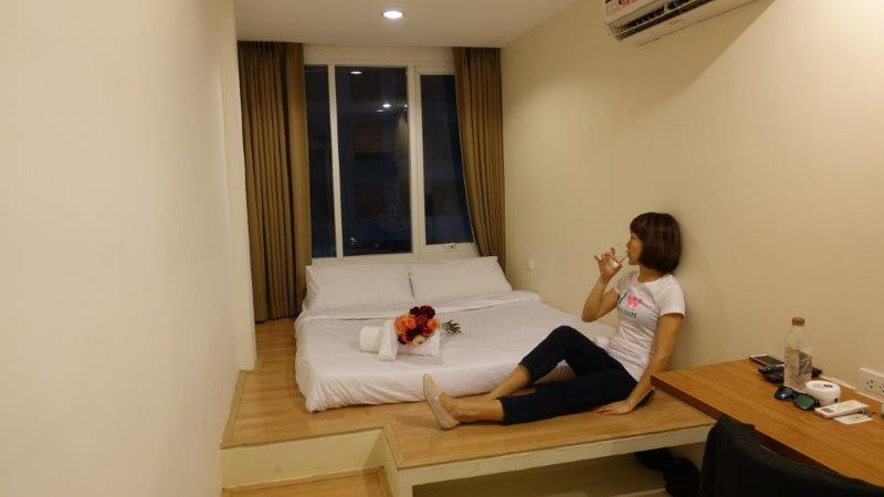 Case Study Asoke - A new accomodation concept. Chilling out in one of their rooms on my 1st day arrival in Bangkok