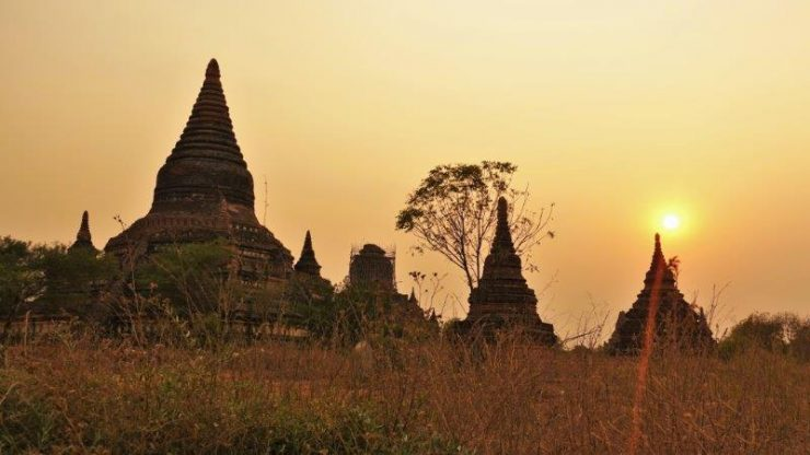 Getting incredible silhouette shots of the stupas and Pagodas in Bagan