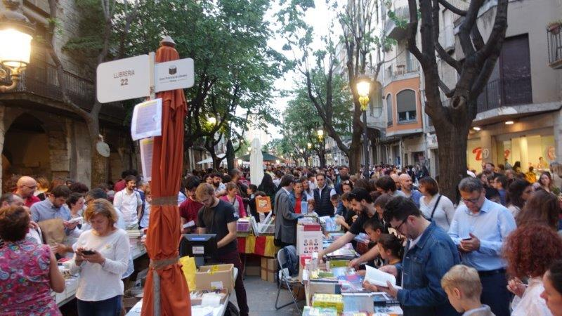 St George's Day in Girona with streets lined with books and roses shops | Festives in Girona Town