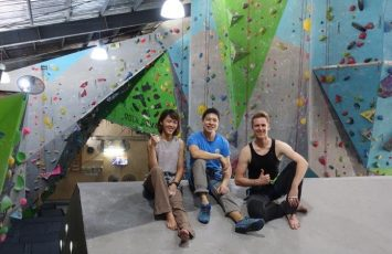 Group shot with Pack our lead climbing instructor
