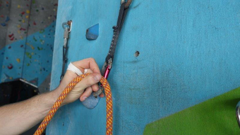 Pracitising proper clipping in methods | Lead Climbing Basics and Rules
