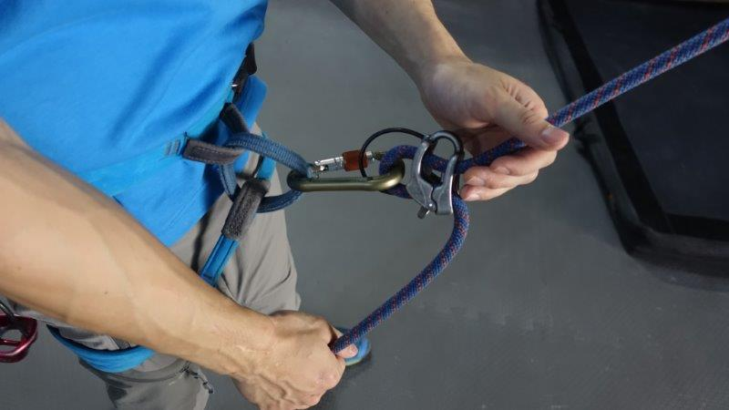 Ensure the proper way to hold the rope and lead belay your climber | Lead climbing in Bangkok