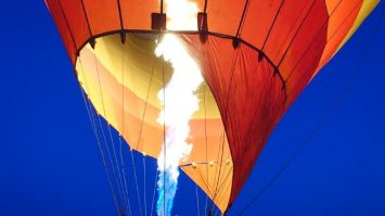 Fire away | Hot Air Balloon all ready to lift off the basket