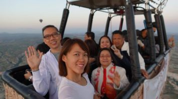 Our entire group wefie on the hot air balloon basket