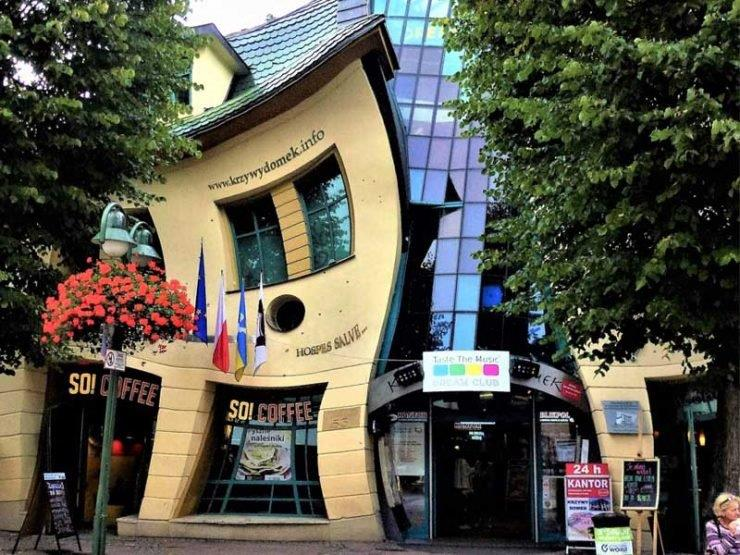 Crooked House in Sopot Costa Coffee