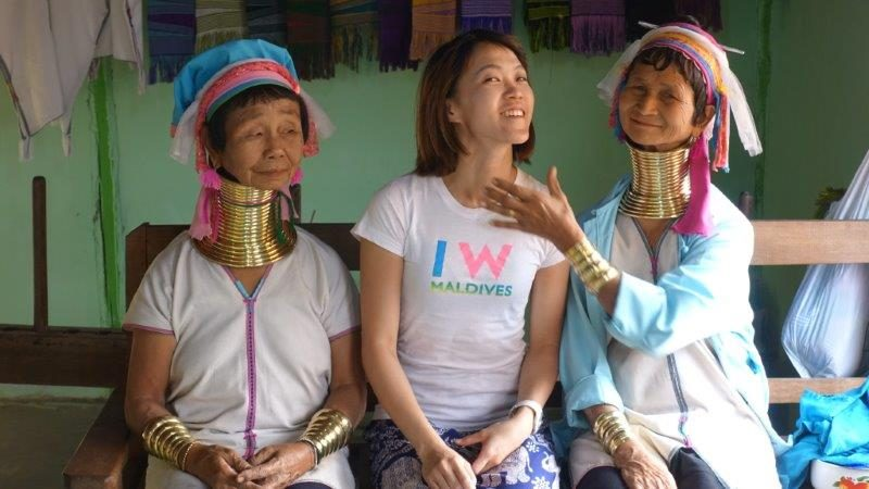 Sharing a lovely intimate photo with these 2 long neck tribal women. They have a  gentleness and stillness about them.
