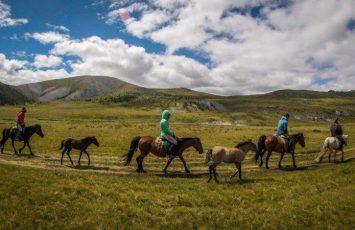 travel by horseback in Wales