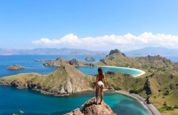 Hike Padar Island Indonesia Komodor Island