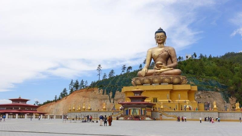 Bronze statue of Shakyamuni Buddha