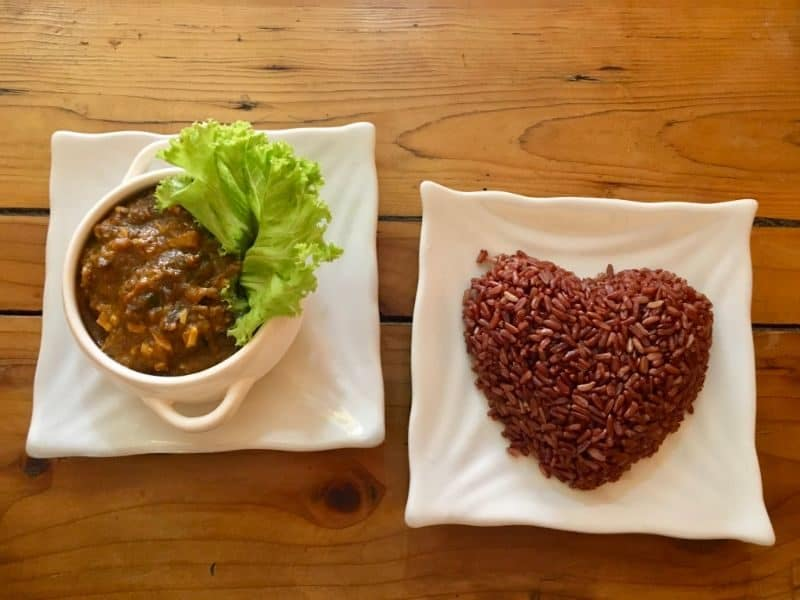 Calling all vegetarian or vegan in Phnom Penh, here's a comprehensive list of the 31 Best Cambodia Vegetarian Food Options, Resturants and Cafes to visit.