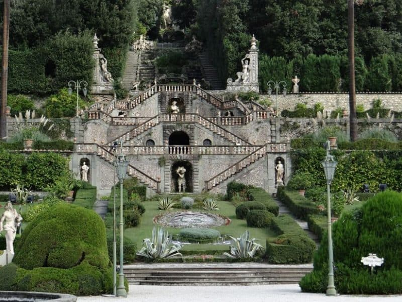 5 Most Amazing Historic Villas in Tuscany Italy to Visit