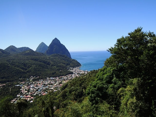 What Caribbean islands are open to us tourists?