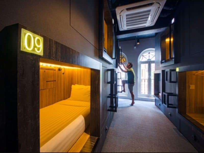 Singapore Staycation at a Capsule Hotel