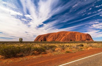 reasons to visit australia uluru